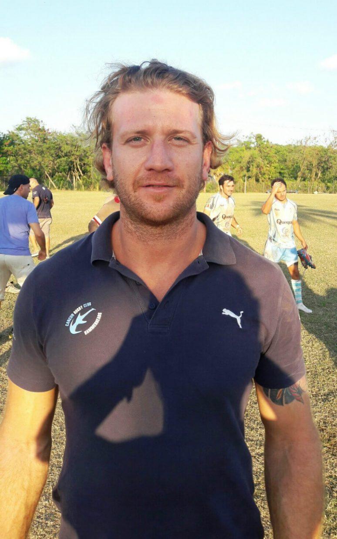 Manuel Nievas, entrenador de los Hammerheads, equipo de rugby en Cancún