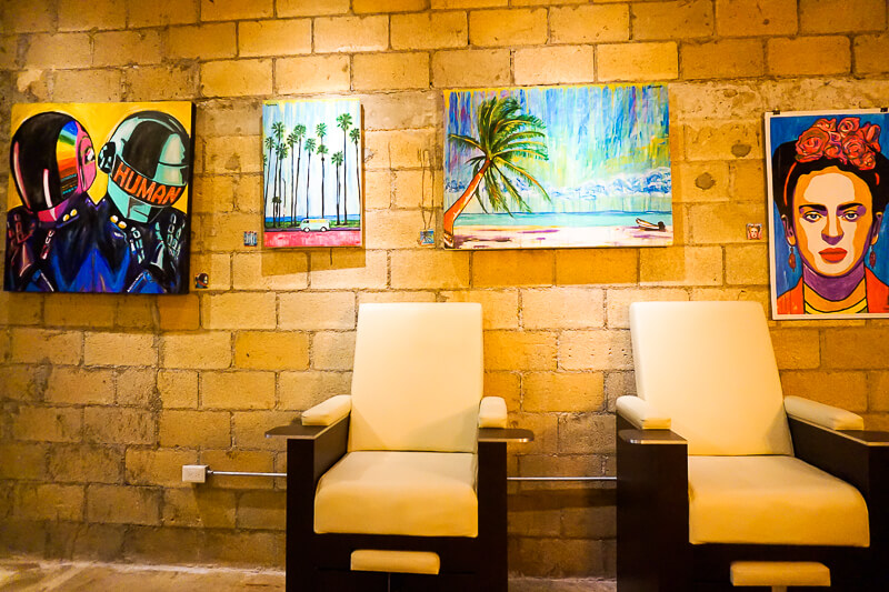 Glenn-Briggs Salon Playa del Carmen galería de arte