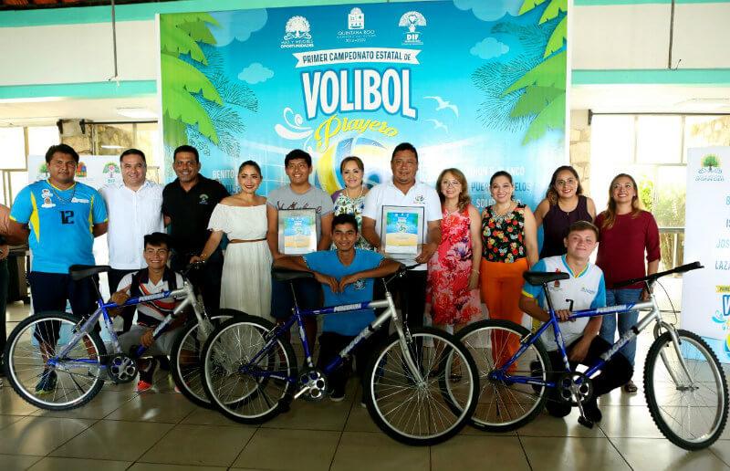 Primero Campeonato de Volibol Playero en el Caribe Mexicano