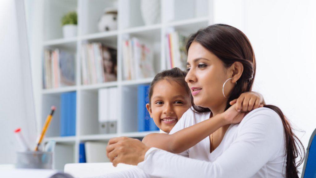 Madres que trabajan desde casa en México