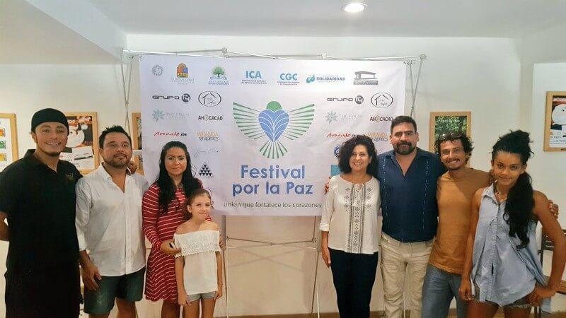 organizadores durante la Conferencia de prensa del festival por la paz