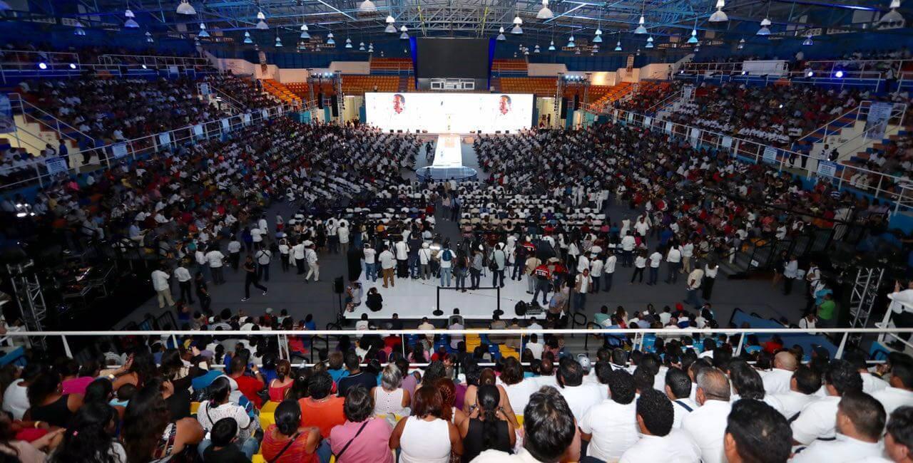 Gobierno de Carlos Joaquín presente su Prime Informe de Gobierno en el Poliforum Cancún.