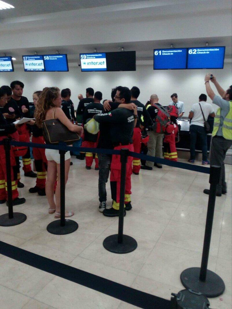 Partida de grupo de rescate de Cancún