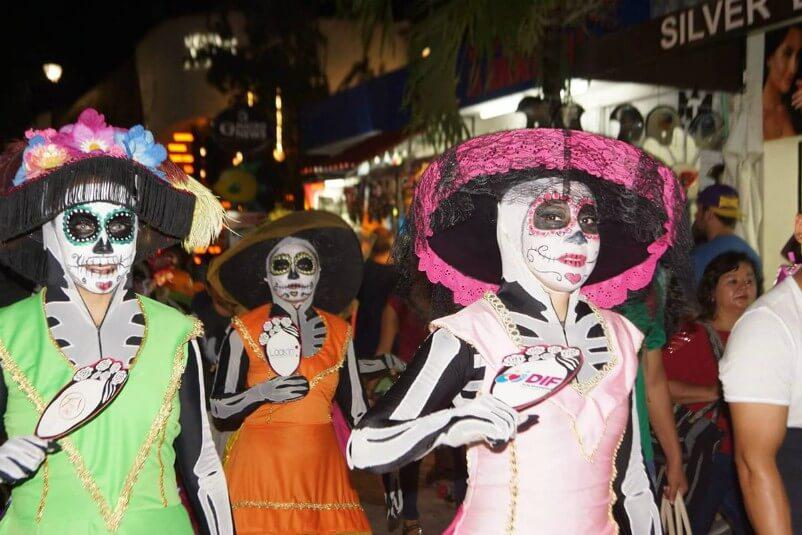 desfile Todas Somos Catrinas Playa del Carmen