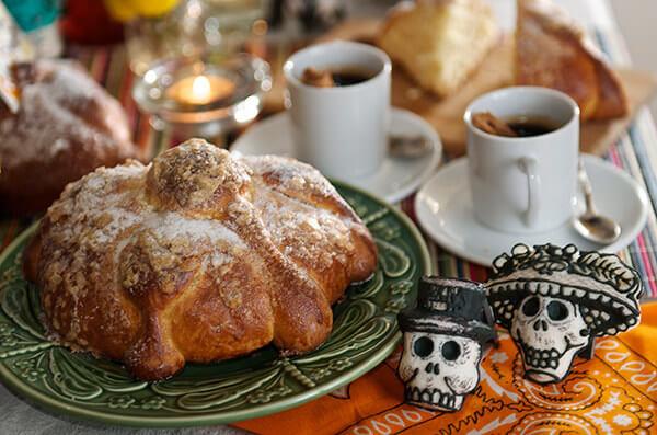 mesa de pan de muerto