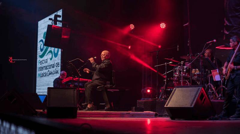 MIlanés en concierto en Cancún