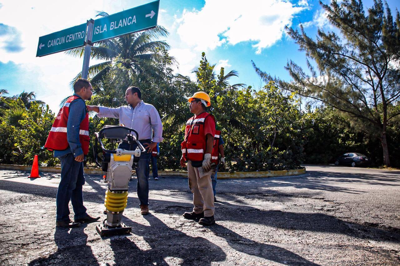 El gobierno de Isla Mujeres comprometido para mejorar la vialidad de la zona continenta