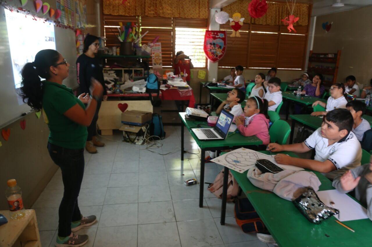 se realizaron diversas pláticas, recorridos guiados y conferencias en Tortugranja y escuelas