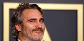"""El actor Joaquin Phoenix es premiado con el Oscar a mejor actor por su interpretación en """"El joker"""" brindando un emotivo discurso"""
