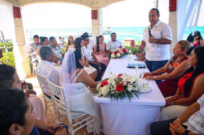 Con testigos de lujo, varias parejas festejaron el haber contraído matrimonio en la ínsula