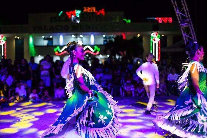 Isla Mujeres se suma a la campaña de impulso de artistas locales en Quintana Roo