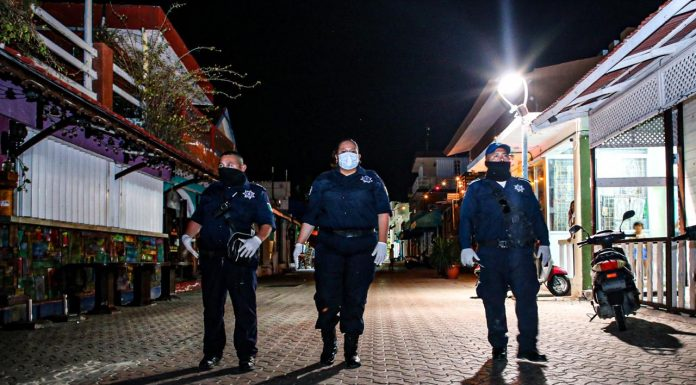 La policia de la mano del presidente municipal Juan Carrillo realiza patrullajes por la isla