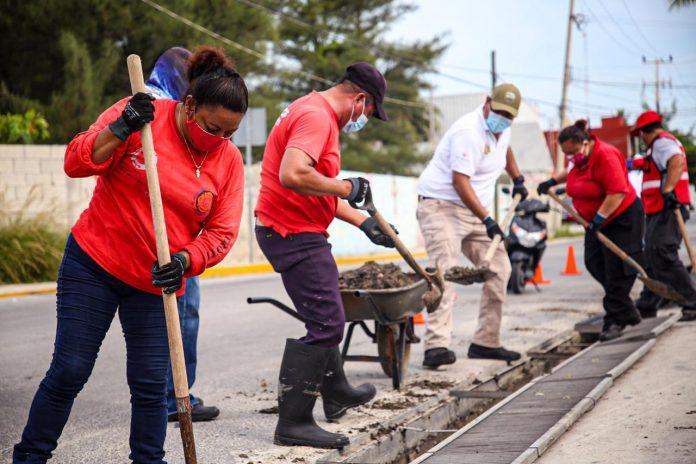 Ayuntamiento de Isla Mujeres se prepara para el temporal de huracanes