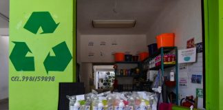 Ecoaseo y DIF de Isla Mujeres entregan kits de limpieza para el hogar en zona continental