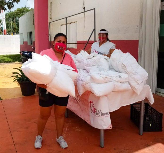 """Apoya a los más afectados por el Covid-19 entregando 100 """"Kits de Blancos"""